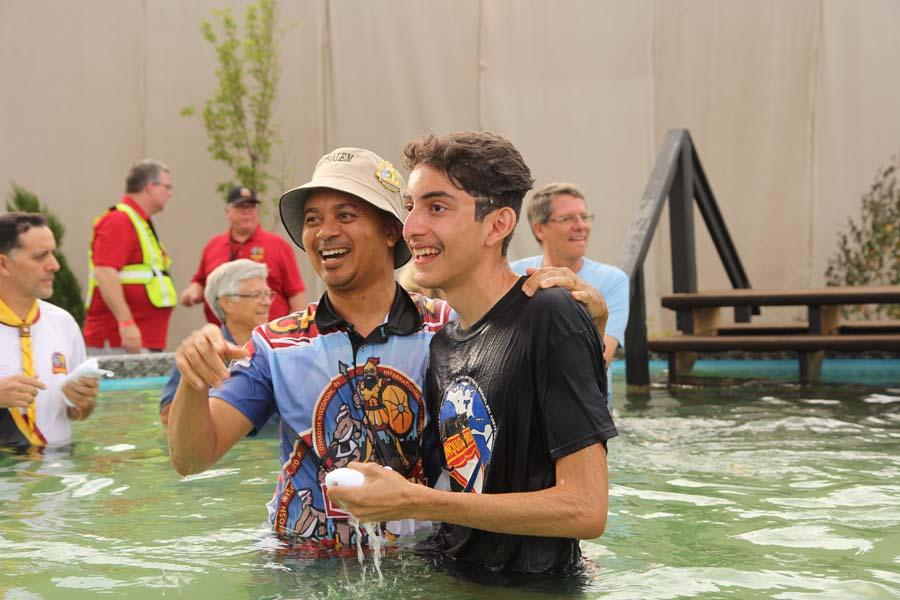 Twelve Wisconsin Pathfinders Baptized at Oshkosh Camporee