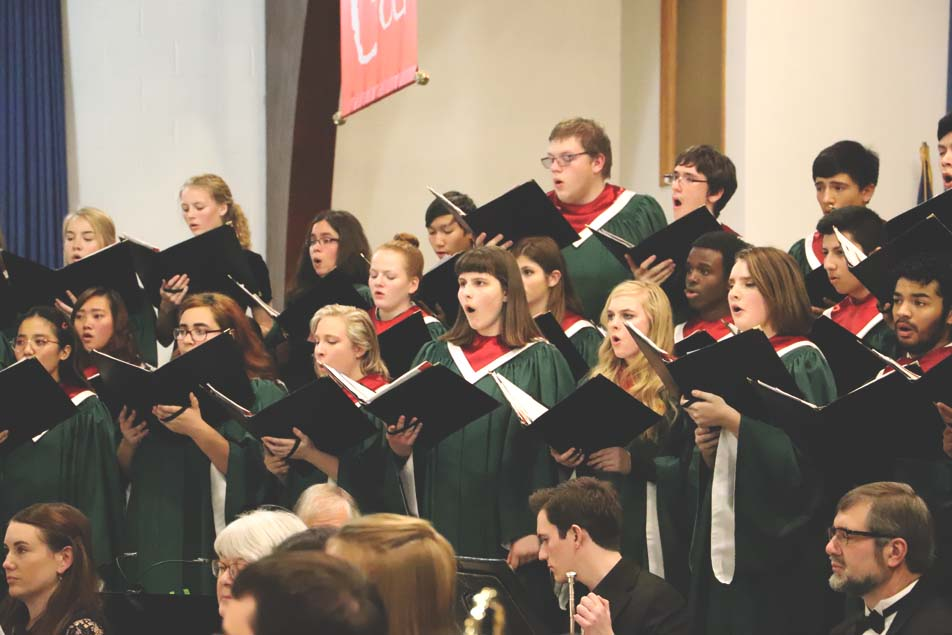 Over 400 Attend Wisconsin Academy Christmas Concert