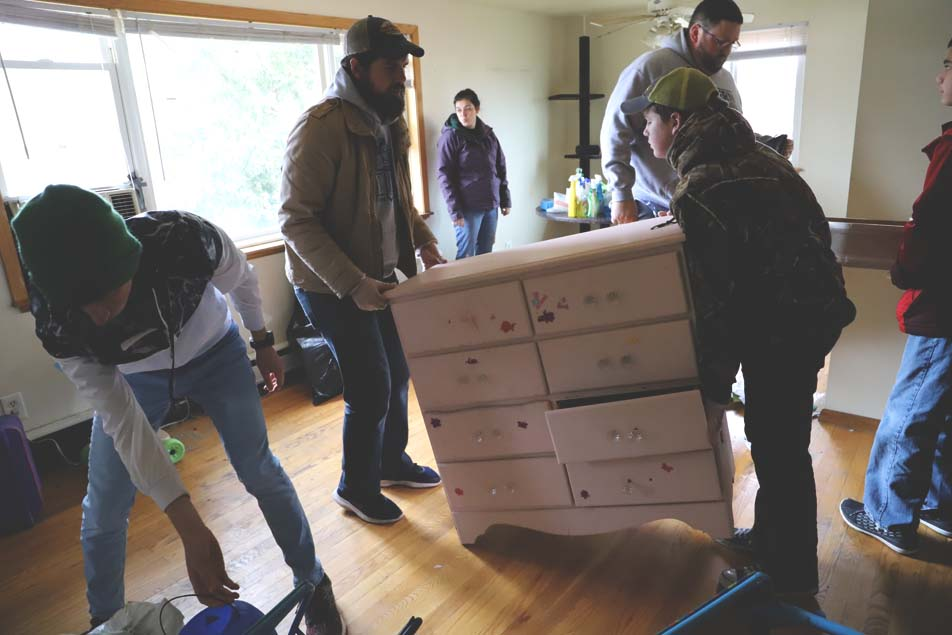 Wisconsin Students Prepare a Home for the Homeless