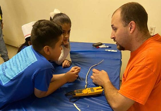 Día de Profesión del Club de Aventureros / Adventurers Club Career Day at Hayes Hispanic Church