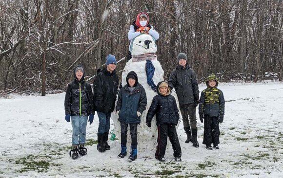Petersen Students Enjoy First Snow of the Season