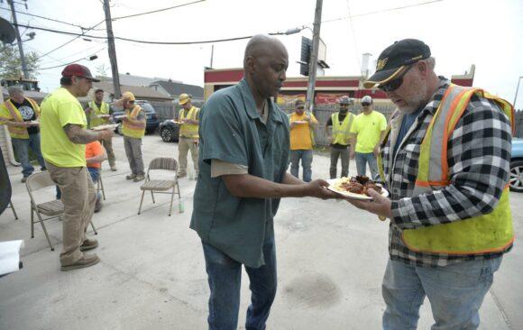 Kenosha Lay Pastor Reaches Out to Construction Crew