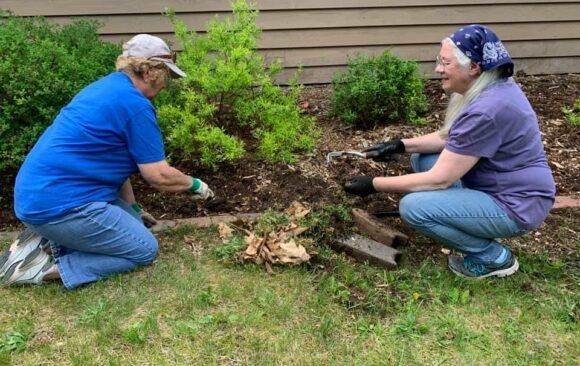 Thank You Wakonda Work Bee Volunteers!