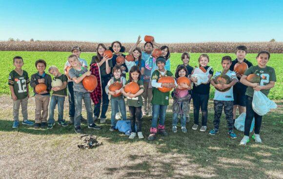 Green Bay Adventist Junior Academy Visits Mulberry Lane Farm